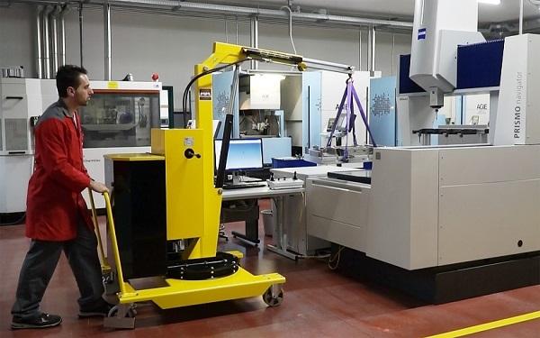 01B5SE移動式吊車應用-吊掛工件到3D量測儀