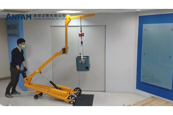 L50B 輕便型半電動吊車-吊馬達